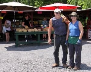 Barry and Peggy Davis, owners of Barry Davis Produce Stand, believe that no one should go hungry.