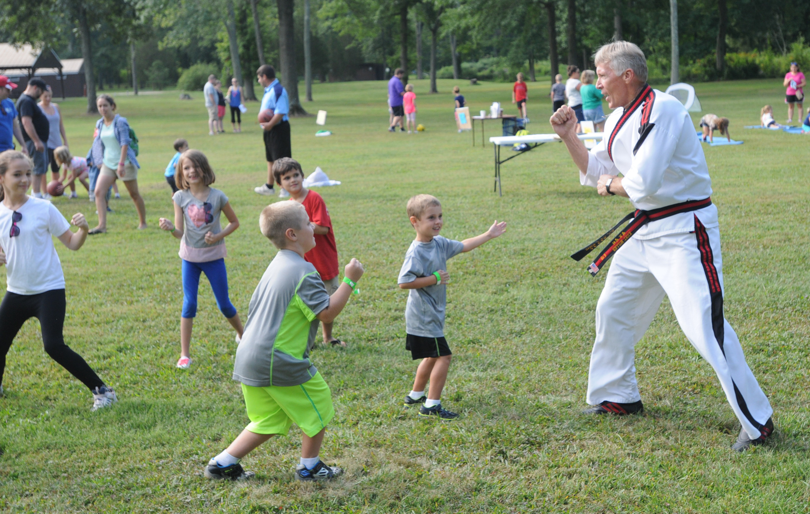 photos community has a field day at hickory park in new hanover