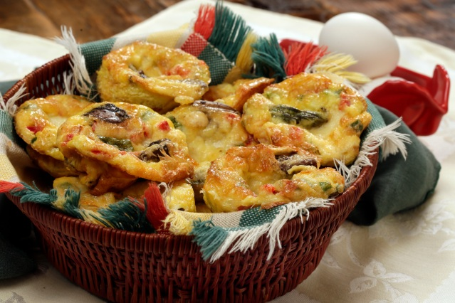 Mushroom and Asparagus Quiche Muffins