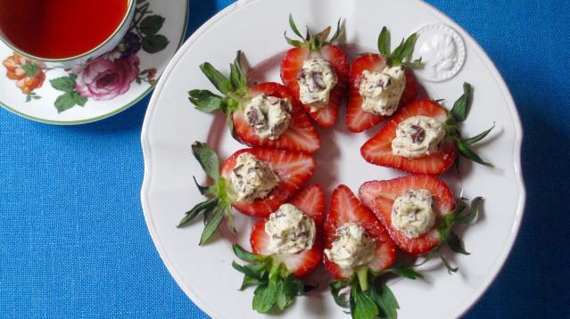 Food KitchenWise Italian Stuffed Strawberries
